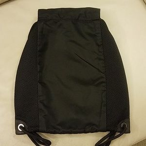 lululemon athletica Bags - Lululemon In a Cinch Pack-Black